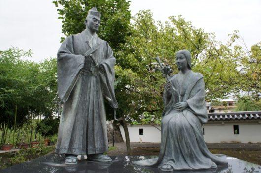 細川忠興とガラシャ像